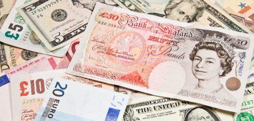 banknoty różnych krajów - EUR, GBP, USD