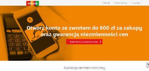 smartfon przyłożony do terminala płatniczego na pomarańczowym tle - reklama promocji ekonota mbanku