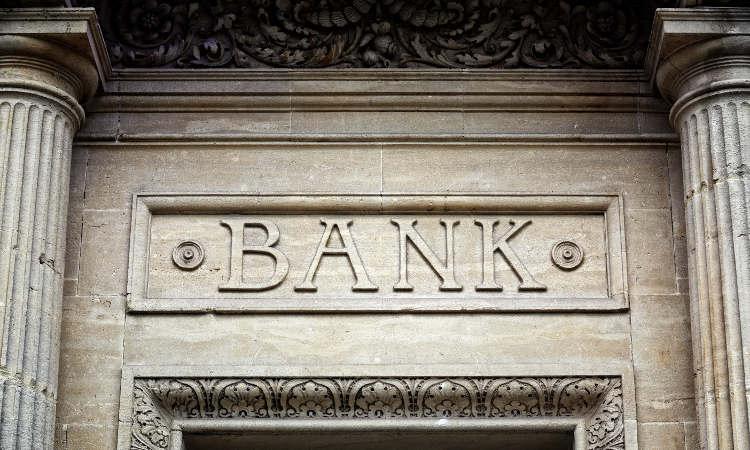 kamienna fasada banku