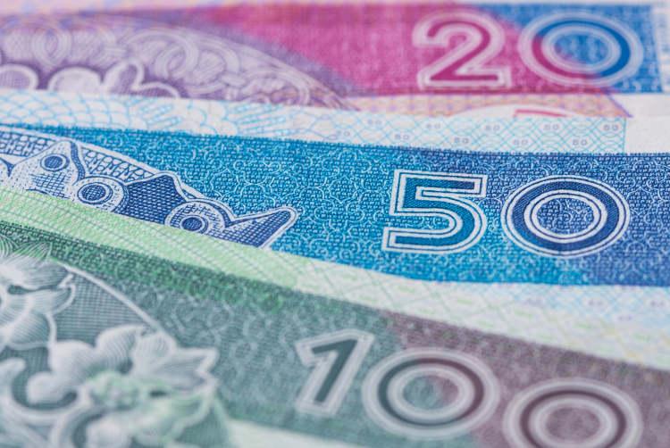 przybliżenie na nominały banknotów 20, 50 i 100 zł